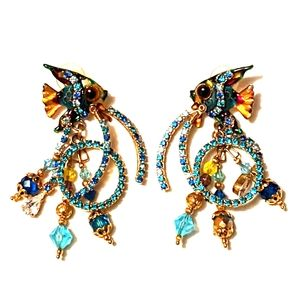 VINTAGE Lunch at the Ritz Ocean Blue Loop earrings